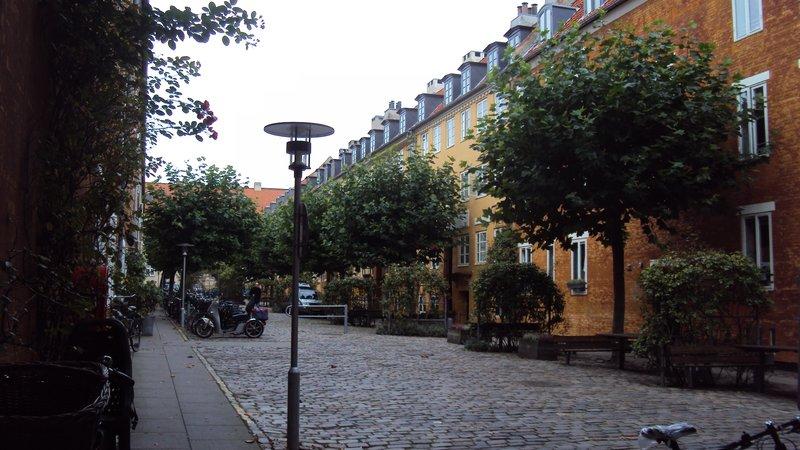 A pretty little side street