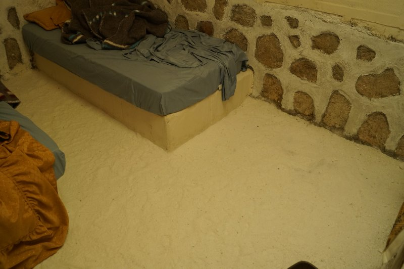 Funny thing, the hostel were we would sleep was entirely made in salt, from the floor to the walls, beds, tables, etc...