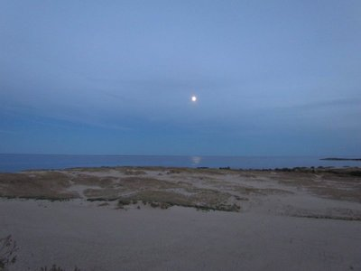 the moonrise over the spit