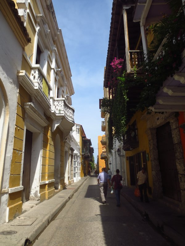 beautiful streets of cartagena
