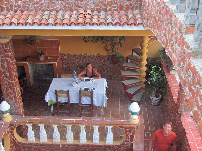 Having dinner in the casa