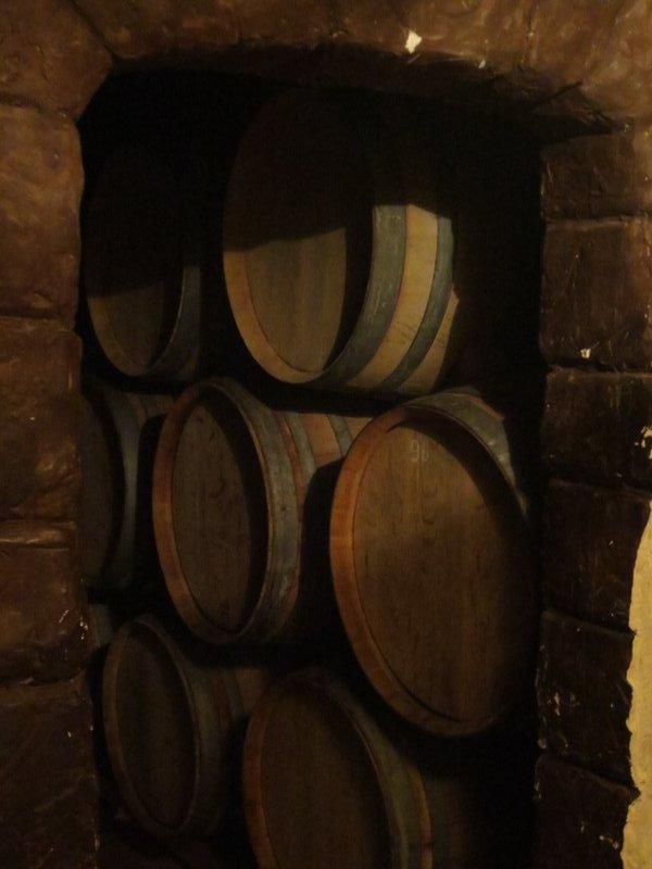 Barrels at Vino el Cerno