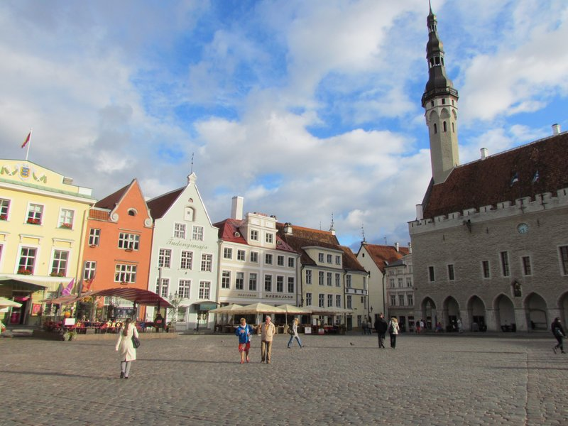 tallinn main square