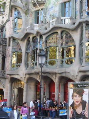 Goudi's Casa Batllo seen from outside
