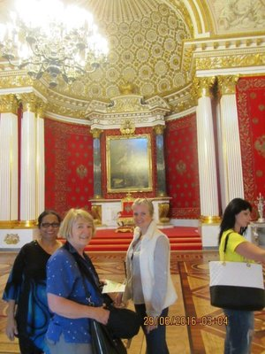 Mala with Fiona and Olga inside the Hermitage Museum
