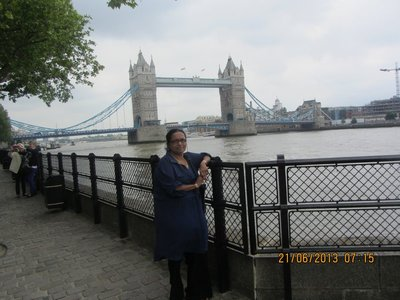 Mala with London Bridge in the background
