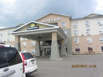 Days_Inn_h.._small_.jpg