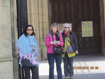 Mala,Helen and Sue stadnig near the Cathedral