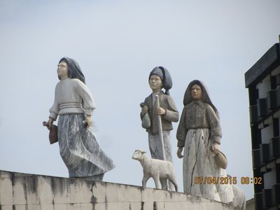 Statues of Fatima children erected near entrance to tghe city