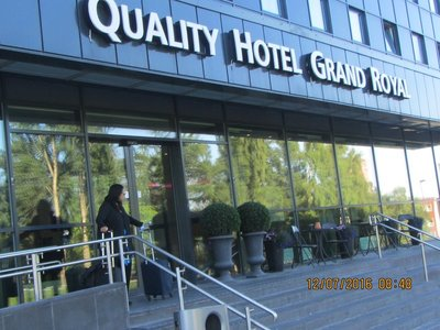 Quality Hotel Grand Royal from outside