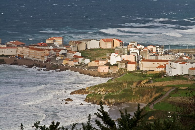 Groundswell hits Caión (Galicia, Spain)