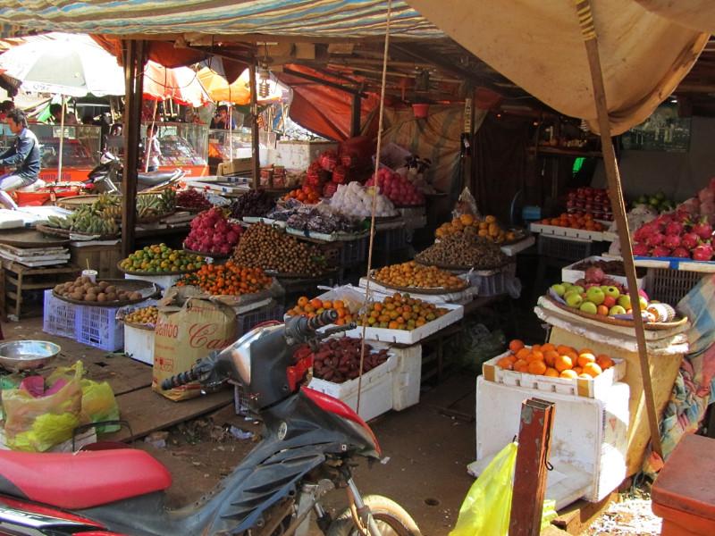Market in Banlung