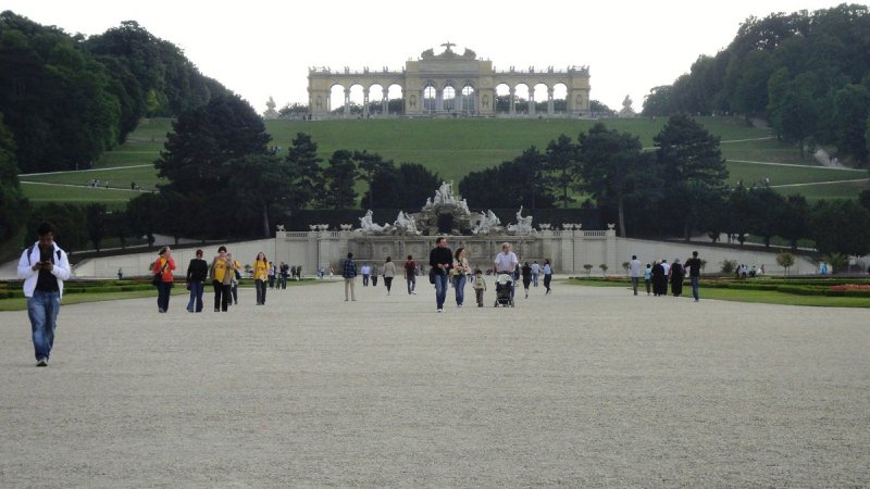 large_Schonbrunn_garden.jpg
