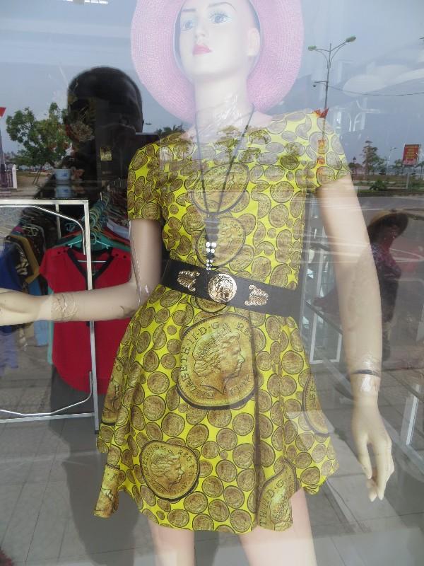 Nice dress ... Dong Hoi
