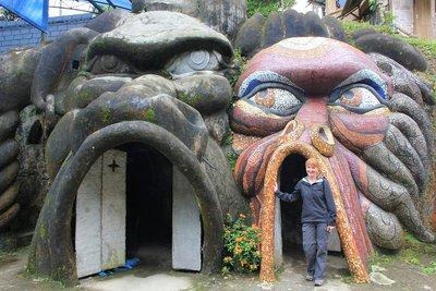 Cave enterance at La Casa del Arbol