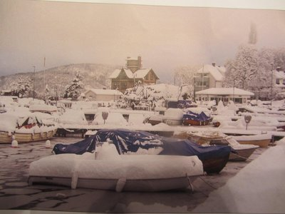 THE VILLAGE HAROUR IN WINTER