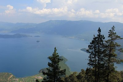 Picture of Luguhu Lake from Mt Goddess