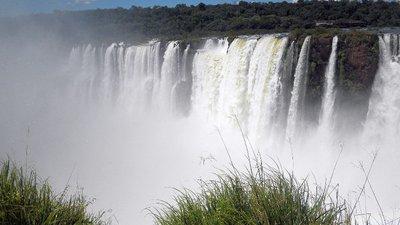 Iguazu_to_..adryn_050b_.jpg
