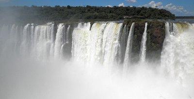 Iguazu_to_..adryn_053b_.jpg