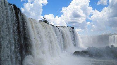 Iguazu_to_..adryn_141b_.jpg