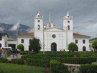 Plaza_de_a..Chachapoyas.jpg