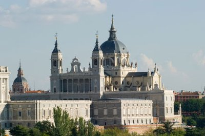 Almudena_Cathedral_madrid.jpg