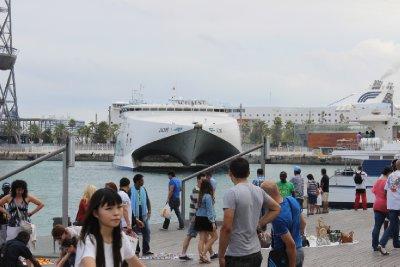Boat_2.jpg