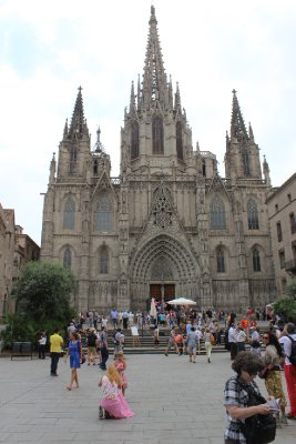 Gaudi_s_1st_Church.jpg