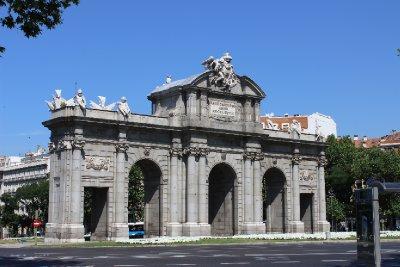Puerta_de_Alcala.jpg