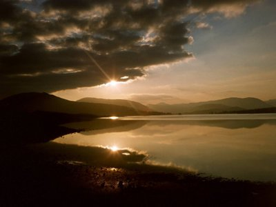 evening-over-loch-ba-showing-the-mountains-of-glencoe-scotland (2)