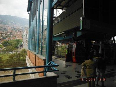 Metro met kabelbaan