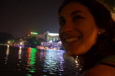 Vid Hoan Kiem Lake