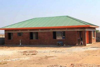 V1-150919959.jpg&MaxW=Barneheimen: Det fyrste huset er bygd og opna i Zimbabwe. No startar arbeidet for å finansiere hus nummer to.