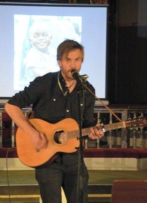 Visesong: Anders Bjørnvold er aktuell med debutalbumet «Storkar».