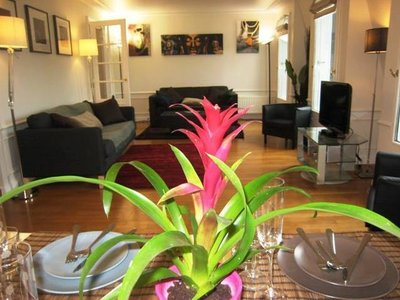3-bed room in Eve Villas Paris