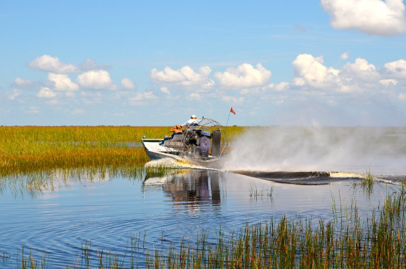 large_airboat.jpg