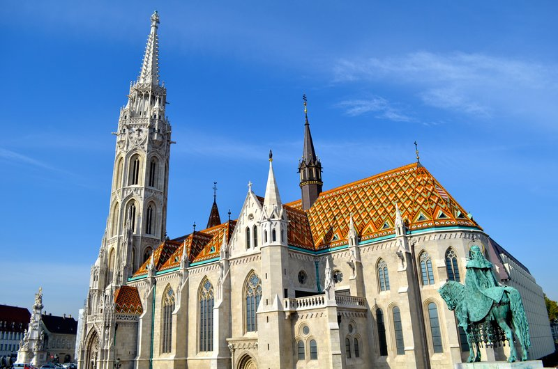 large_cool_tiled_church_in_Buda.jpg