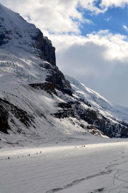 large_midgets_on_glacier.jpg