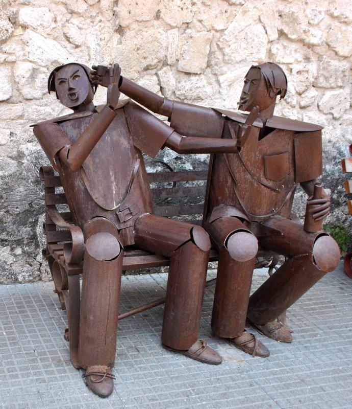 large_squabbling_statues.jpg