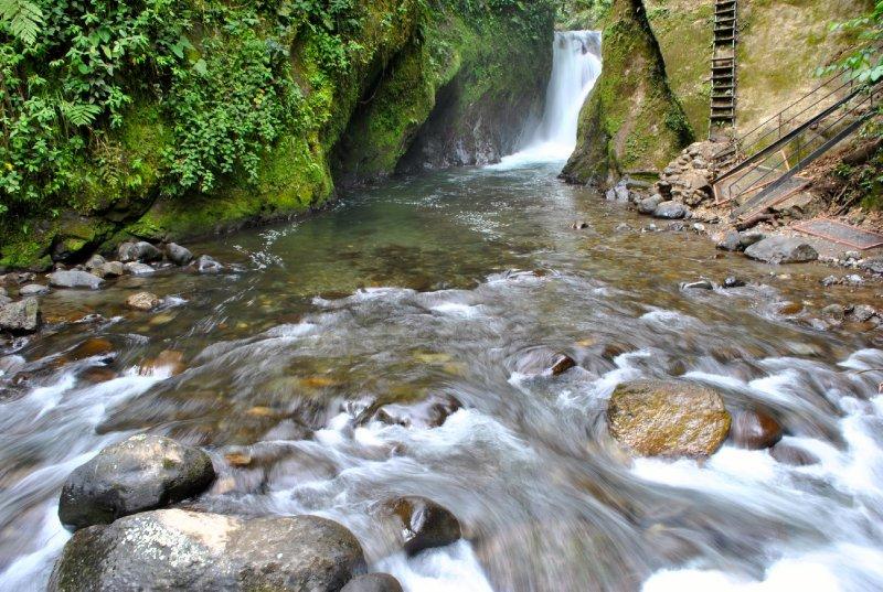 large_waterfalling.jpg