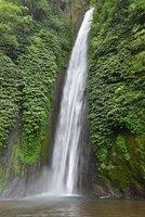 Cascade au centre de Bali