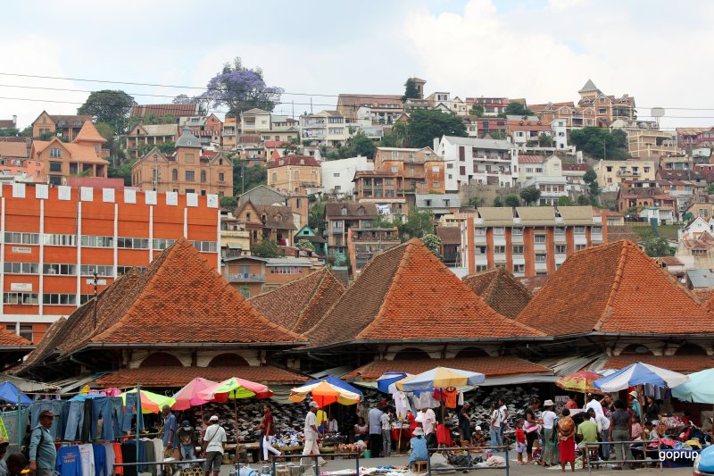 2- Tana market