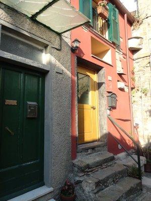 My_front_door_Corniglia.jpg