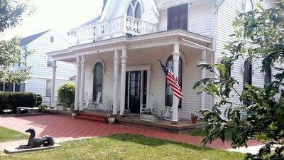 Amel;ia Earhart's Childhood Home