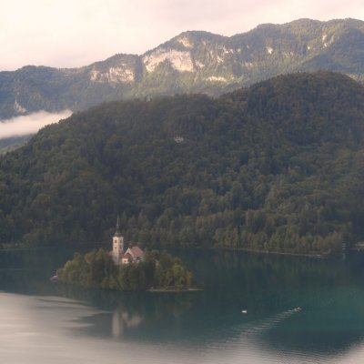 Bled_Lake_from_the_castle.jpg