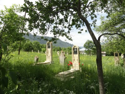 Cemetary in Lahij 5-23-2013 1-19-15 AM