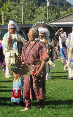 Grandma, Grandchild, and Chiefs