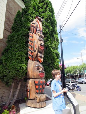 Guided Walk of about 10 Totems