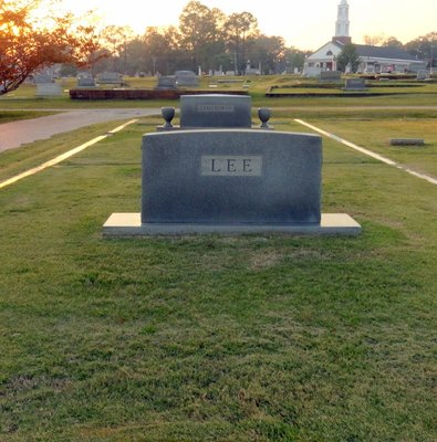 Lee Family Plot