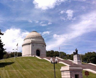 Monument to President McKinley
